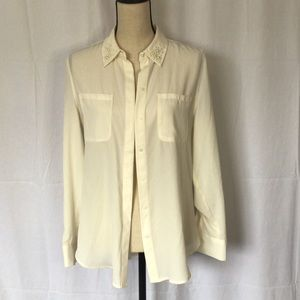 NWT Pearl collar sheer button up